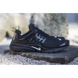 Nike presto 2016 черные с белым значком